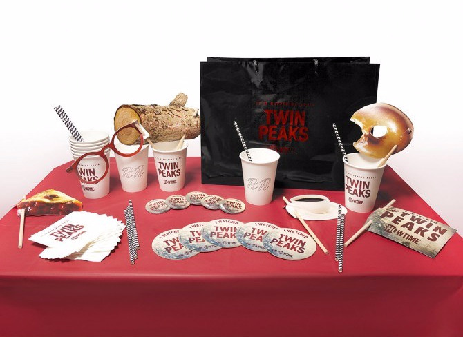 twin-peaks-viewing-party-kit_670
